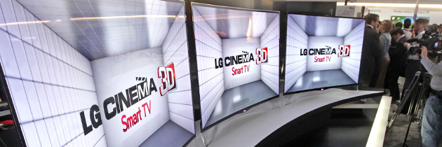 LG SHOWS FIRST CURVED SCREEN OLED 3D TV